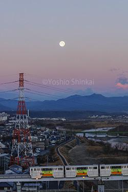 朝の月.jpg